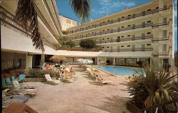 Yankee Clipper Hotel - Poolside Fort Lauderdale Florida