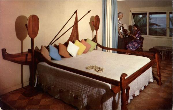 Outrigger Bed, Coco Palms Hotel Kauai Hawaii