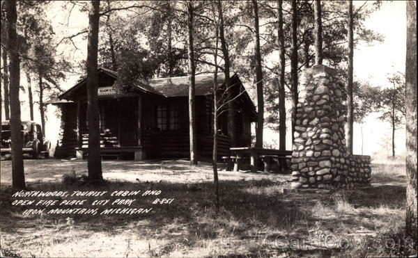 Northwoods, Tourist Cabin and Open Fireplace Iron Mountain Michigan