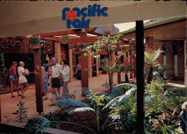 Pacific Fair Shopping Centre - Waimanu Place Broadbeach Australia