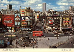 View of Picadilly Circus Postcard