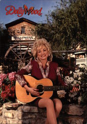 Dolly Parton adn Dollywood