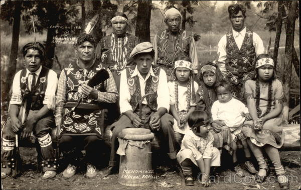 Menominee Indian Family Native Americana