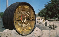 Entrance to the Presenti Winery and Tasting Room on Vineyard Drive