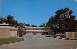 Royal Manor Motel, 1641 South Main