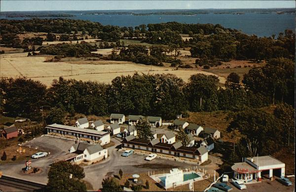 It's Time To Stop Holiday Motel and Cabins Gananoque Canada