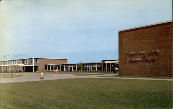 Senior High School and Community College Fort Dodge Iowa