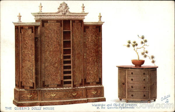 Queen's Doll House - Wardrobe & Chest UK