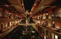 Interior Courtyard, Mauna Kea Beach Hotel