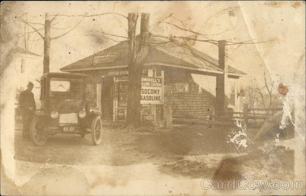Dwinell's Filling Station - Socony Gasoline Cars