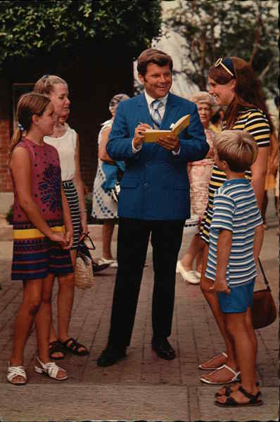 Bob Hastings With Young Fans Celebrities