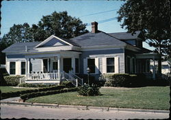 Home of Mr. and Mrs. Hannibal H. Scott Jr
