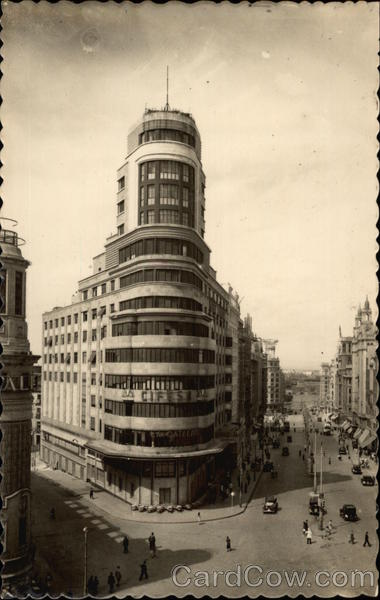 Edificio del Capitol y Avenida de Jose Antonio Madrid Spain