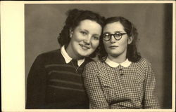 2 Young Ladies Postcard