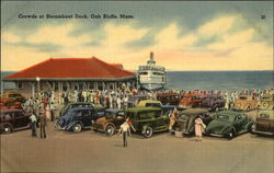 Crowds at STeamboat Dock
