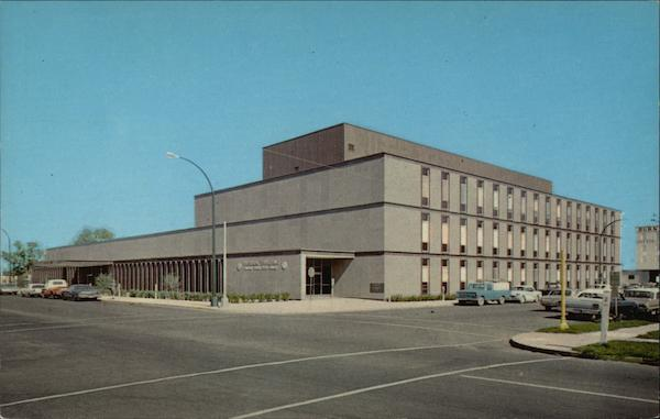Street View of Federal Building and US Post Office Sioux Falls South Dakota
