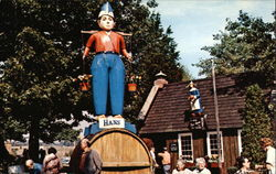Giant Costumed Figures at New Amsterdam Village - Great Danbury State Fair