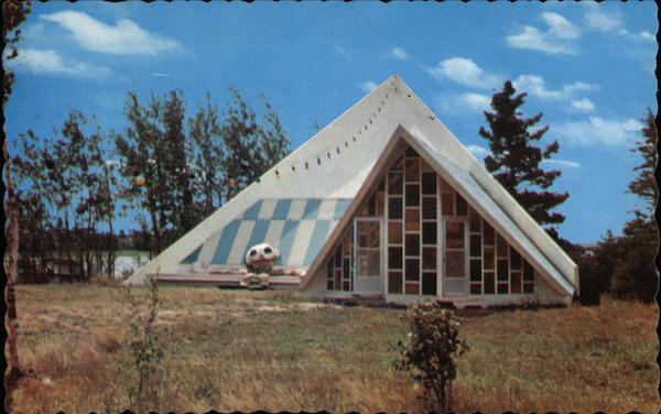House of INternational Dolls Crapaud, PE Canada Prince
