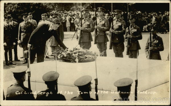 Col. Lindbergh at the Tomb of the Unknown Soldier Military