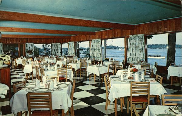 Voyageur Room at the Famous Pine Tree Point Club Alexandria Bay New York