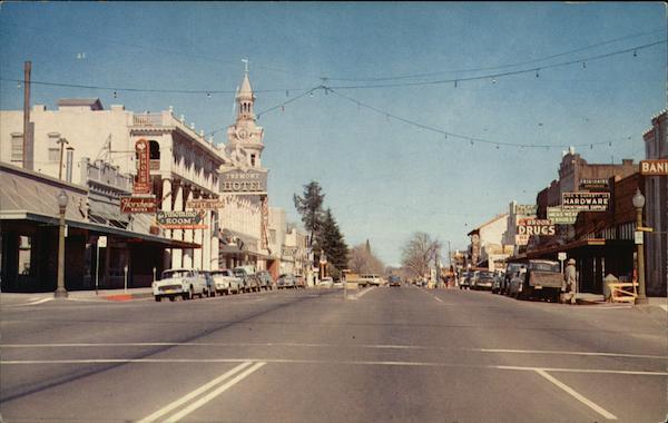 Street Scene Red Bluff...
