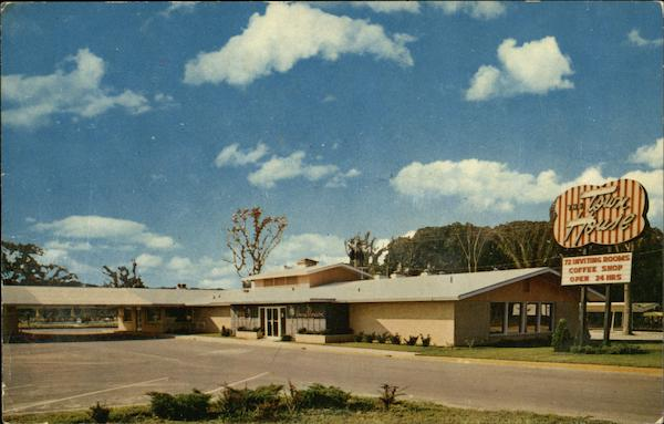 The town house motor hotel cedar rapids ia for Town house motor inn