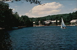 Christmas Island Resort On Beautiful Lake Winnipesaukee