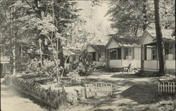 Green Arrow Cabins, Cottages and Rooms Postcard