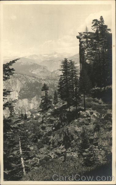 View In the Sierra Nevada Mountains Landscapes