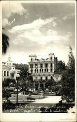 Plaza de la Independencia and Hotel Majestic