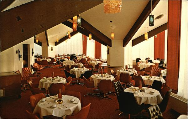 Bright Cheery Atmosphere is Planned into Bear Mountain Lodge's Dining Room Michigan