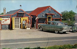 The Lobster Hut on Route 9 - 100 yards from Texaco Station Postcard