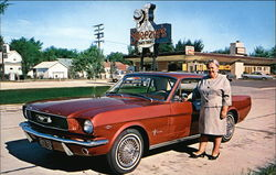 Sneezer's Snack Shop Titletown U.S.A - Ford Mustang