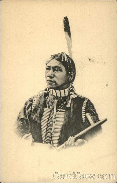 Photo portrait of an American Indian man Native Americana