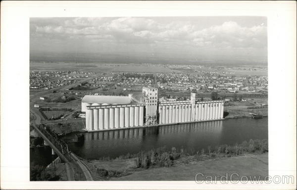 Riverside grain elevators for N.M. Paterson & Sons Thunder Bay Canada