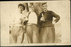 Photo portrait of three young men in the early 20th century