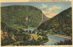 Delaware River Entering The Delaware Water Gap