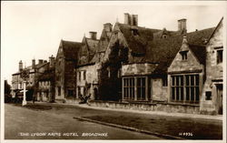 The Lygon Arm's Hotel on Broadway