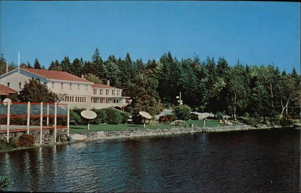 Braemar Lodge on Beautiful Lake Ellenwood Yarmouth Canada