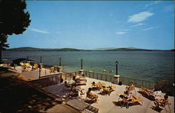 Lakeside Hotel and Motel Postcard