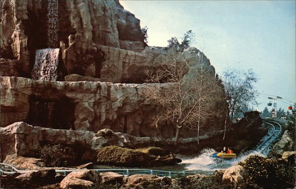 Bobsled Run - Matterhorn Mountain Disney