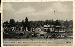 Entery's Black & White Cabins - On the Beach