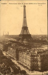 Panorama of the Eiffel Tower and Trocadero