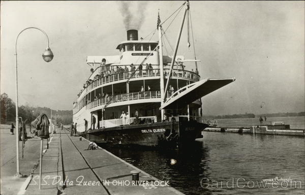S.S. Delta Queen in Ohio River Lock Riverboats