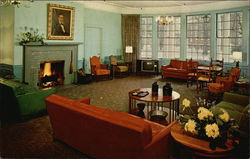 The Lincoln Lounge - Boone Tavern Hotel