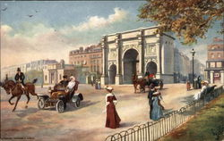 London Marble Arch Scene with People Traveling