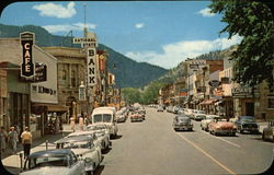 Pearl Street Looking West