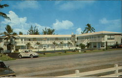 Tratters Motel (Now Crystal Cay Motel) Postcard