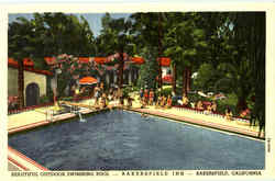 Beautiful Outdoor Swimming Pool Bakersfield Inn