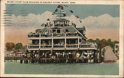 Biloxi Yacht Club Building In Holiday Attire